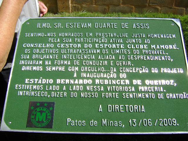 Homenagem de Patos de Minas ao Grupo Bretas