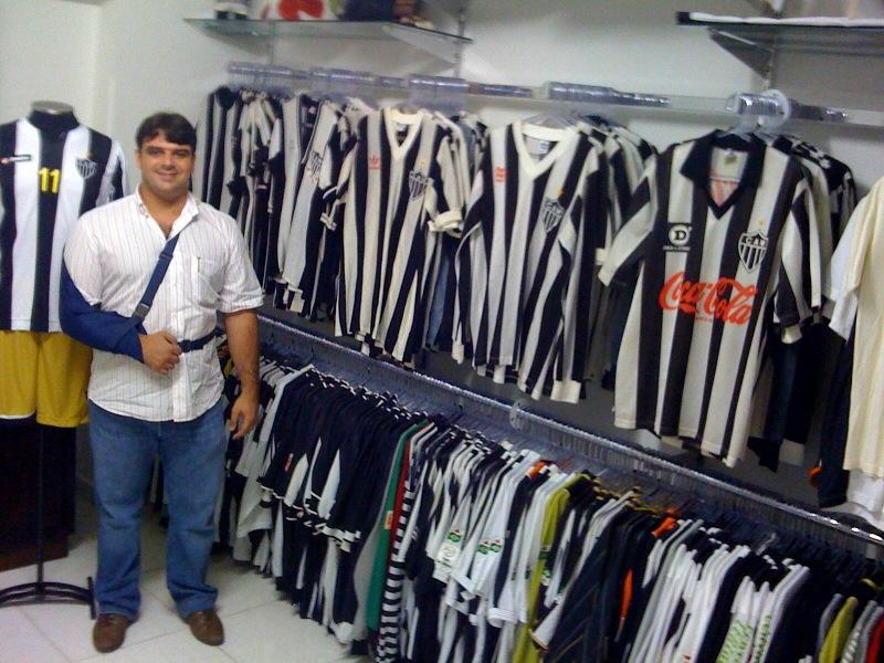 Coleção de 433 camisas originais do Galo  93166757feb85