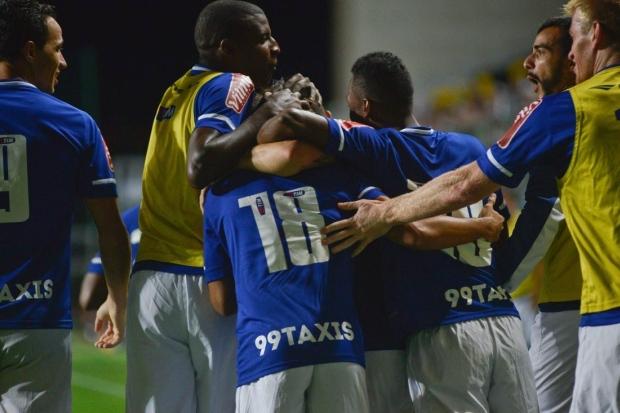 """ea2816aea2 Erros que detonam o Atlético e os brios feridos do Cruzeiro que o  """"professor"""" Luxemburgo sabe explorar"""