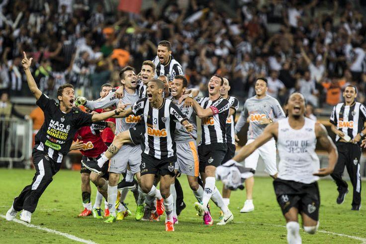 Belo Horizonte_MG, 24 de Julho de 2013  UOL - Final da Copa Libertadores da America  Na foto, lance do jogo Atletico MG x Olimpia (PAR)  Foto: MARCUS DESIMONI / NITRO